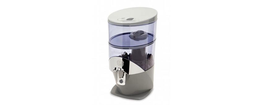 Les bénéfices de boire une eau alcaline pour le corps et l'utilisation d'une fontaine filtrante à la maison